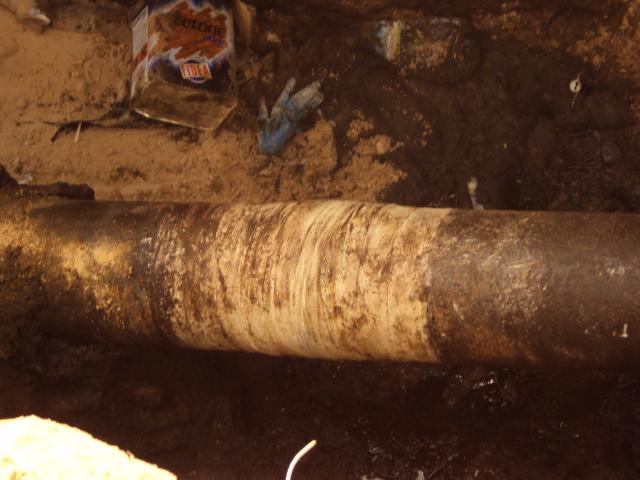 200mm fuel oil line in Brega, Libya undergoes leak repair using a Sylmasta Pipe Repair Kit